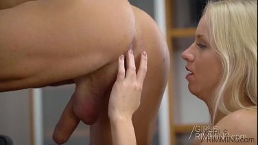 Hard casting! The girl sucks and fucks big dick
