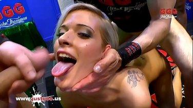 lusty blonde slut jessica lynn services a rock solid cock