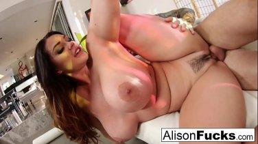 cockloving babe pounded by huge dick