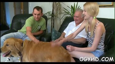 Russian Cutie came to the massage parlor and gets fucked